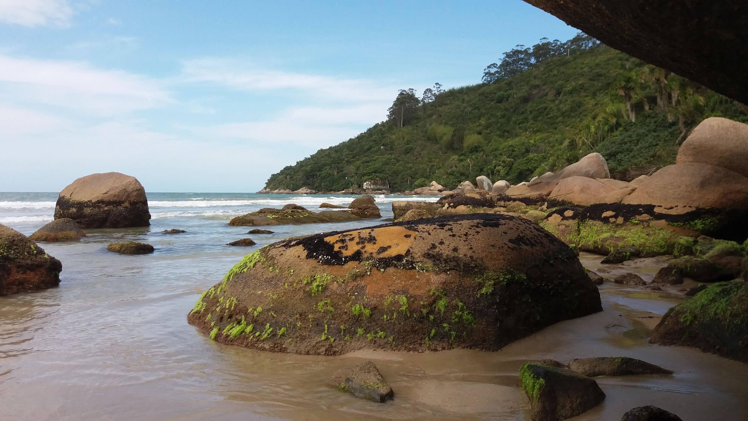 Você está pensando em passar suas próximas férias em Bombinhas, Santa Catarina?